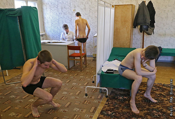 Фото новинки мужики генекологи рукамиосматривают все дырки посмотрим