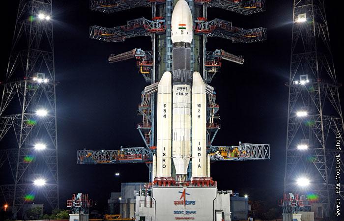"""Индия успешно запустила к Луне станцию """"Чандраян-2"""" с луноходом"""