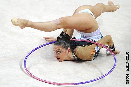 фото гимнастка голая