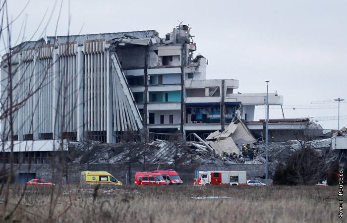 """Стадион на крови"": соцсети отреагировали на обрушение СКК"