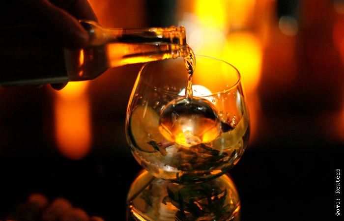 Алкоголизм: лечение, стадии, признаки, способы избавления, женский и пивной алкоголизм