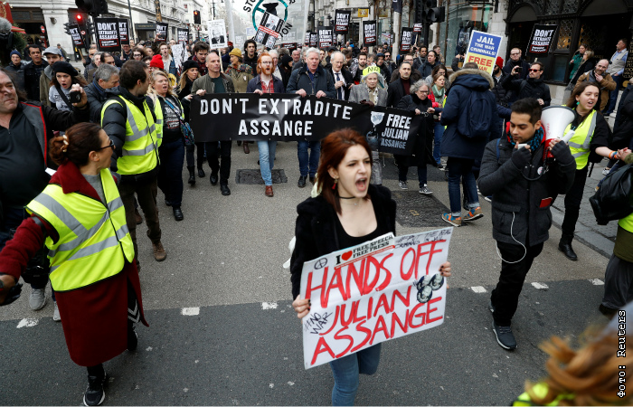 Минюст США направил в великобританию официальный запрос об экстрадиции Ассанжа