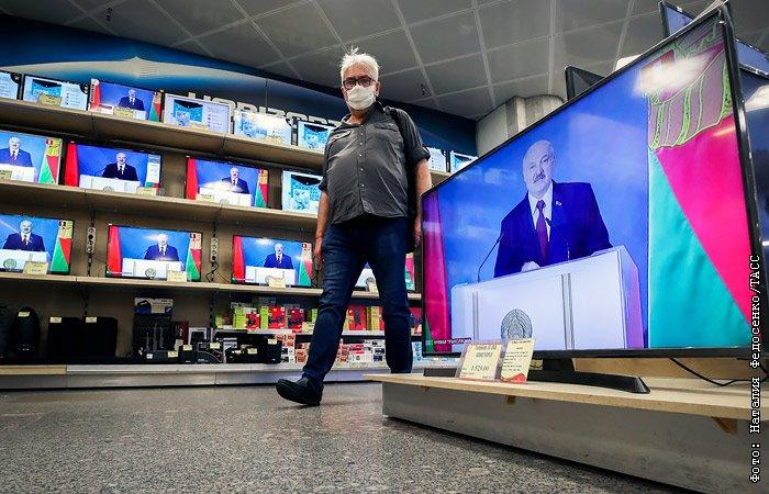 Лукашенко направил Си Цзиньпину послание и выразил соболезнования семьям умерших от коронавируса