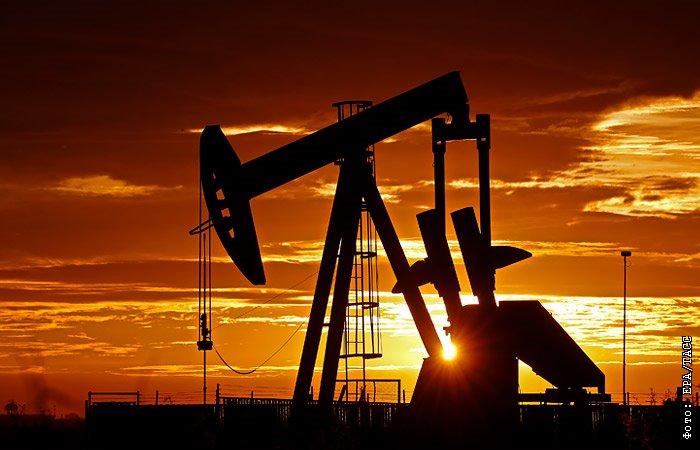 Нефть дорожает на новостях о шторме в США, Brent - $41,67 за баррель