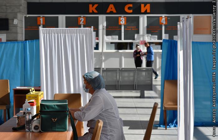 Ляшко не исключает обязательной вакцинации украинцев