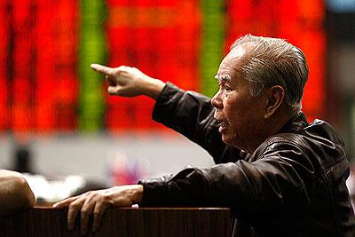 Индексы Nikkei и Topix завершили неделю рекордным падением