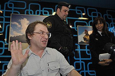 Судебные приставы арестовали Мавроди на презентации