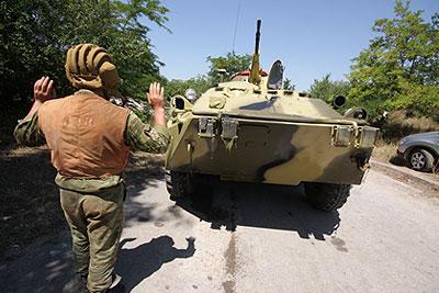 В Севастополе задержана колонна бронетехники ЧФ России