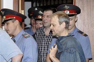 Оглашение приговора сотрудникам правоохранительных органов, обвиняемых в хищении