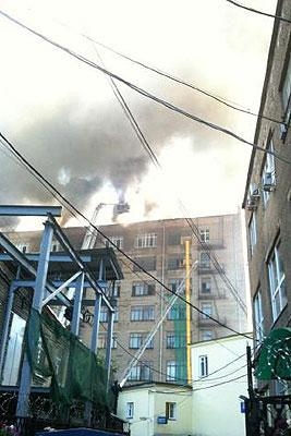 """В Москве вспыхнула крыша здания НПО """"Алмаз"""""""