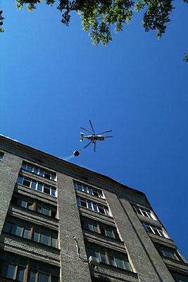 """Пожарный вертолет прибыл для тушения огня в здании НПО """"Алмаз"""""""