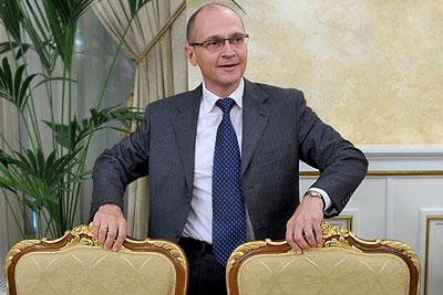 Кириенко и два стула