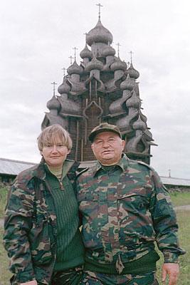 Юрий Лужков с супругой Еленой Батуриной  в музее-заповеднике Кижи