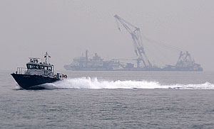 """Выжившие моряки с """"Нафтогаза-67"""" винят во всем Китай"""