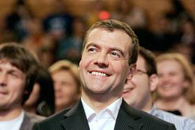 Медведеву чужд стиль Политбюро
