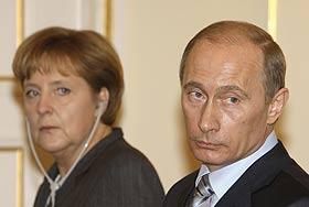 Меркель не собирается прощаться с Путиным