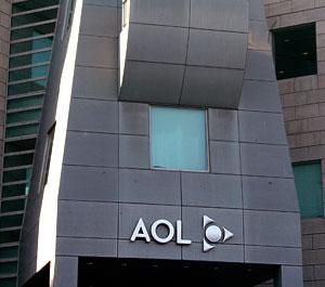 Yahoo! ищет спасения от Microsoft у AOL