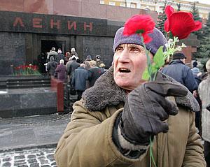 """""""Ленин лежит, а люди идут"""""""