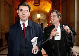 Окруашвили остается во Франции