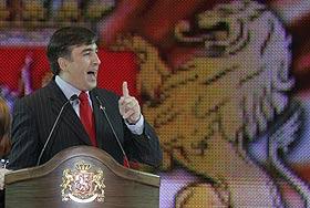 Саакашвили укрепляет имидж с помощью Москвы