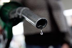 """ФАС - ценам на бензин: """"Стоять!"""""""