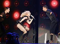 Стены Эрмитажа выдержат Мадонну