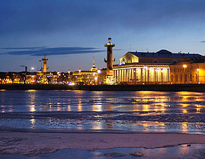 Адмиралы не хотят переезжать в Петербург
