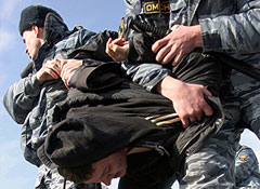 """Десятки задержанных активистов """"Антифа"""""""