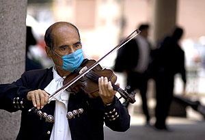 """Рынки заразились """"свиным гриппом"""""""