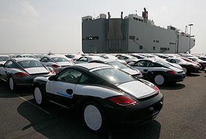 Porsche идет в народ