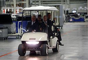 Премьер оценил Volkswagen Tiguan