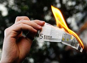 Евро будет дешевле доллара?