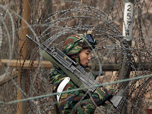 Корейский полуостров: стрельбы начались