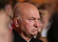 Латвия Лужкову отказала