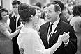 Юрий Гагарин с супругой на новогоднем балу, 1965 год