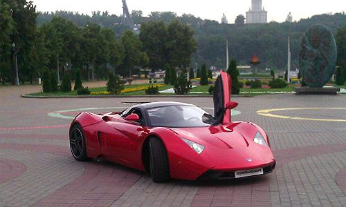 """Презентация нового совместного проекта компаний Marussia Motors и """"Роснефть"""" в Лужниках."""