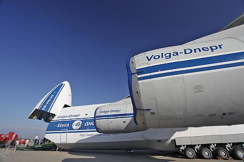 """Самолет Ан-124 """"Руслан"""" авиакомпании """"Волга-Днепр"""" на международном авиасалоне МАКС-2011 в Жуковском"""