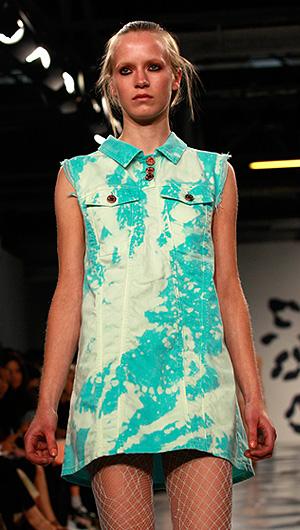 Показ коллекции House of Holland весна-лето 2012 на Неделе моды в Лондоне.