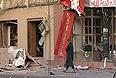 """Медики оценивают состояние более 30 пострадавших во взрывах в Дагестане как тяжелое, сообщила """"Интерфаксу"""" официальный представитель Минздравсоцразвития РФ Софья Малявина. Она заявила, что, по данным на утро четверга, в результате терактов один человек погиб, трое пострадавших находится в тяжелом состоянии. Еще 29 раненых, по оценкам врачей, - в состоянии средней тяжести."""