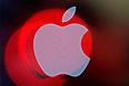 Один из основателей Apple Inc. Стив Джобс, скончавшийся в ночь на 6 октября, успел увидеть, как созданная им компания стала крупнейшей в мире по величине капитализации. Однако аналитики не уверены, что Apple удастся остаться на первых местах, поскольку значительную долю фондового успеха компании они привыкли объяснять харизмой и талантом ее руководителя.