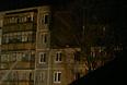 Тушение пожара в жилом пятиэтажном доме на Москворецкой улице, в котором произошел взрыв бытового газа. В результате взрыва погибли люди.
