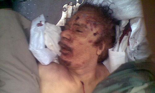 Первым о захвате Каддафи в Сирте сообщил один из представителей Национального переходного совета Ливии.