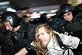 Санкционированная акция оппозиции, оспаривающей результаты выборов в Госдуму, обернулась призывом к шествию. Само шествие было разогнано сотрудниками полиции и завершилось задержаниями трехсот человек.