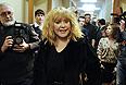 Певица Алла Пугачева перед началом собрания инициативной группы по выдвижению Михаила Прохорова кандидатом в президенты РФ в Финансовом университете.