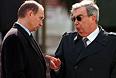 7 мая 1999 года. Глава ФСБ Владимир Путин и премьер-министр Евгений Примаков.