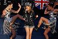 Певица Кайли Миноуг выступила на праздничном концерте в честь 60-летия со дня вступления на престол королевы Елизаветы II.