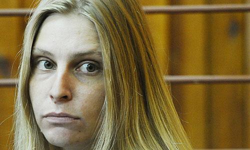 суд во вторник удовлетворил ходатайство следствия заключить Г.Рябкову под стражу. Согласно решению суда, подозреваемая будет находиться под стражей два месяца.