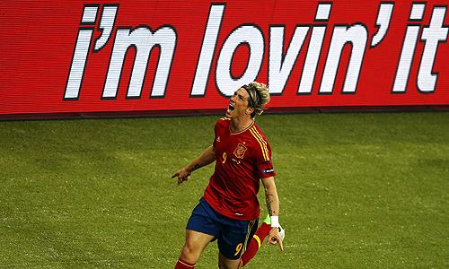 Сборная Испании по футболу обыграла Италию в финале чемпионата Европы и выиграла турнир второй раз подряд.
