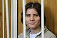 Участница феминистской Pussy Riot Екатерина Самуцевич, обвиняемая в хулиганстве в храме Христа Спасителя, перед началом заседания в Хамовническом суде.