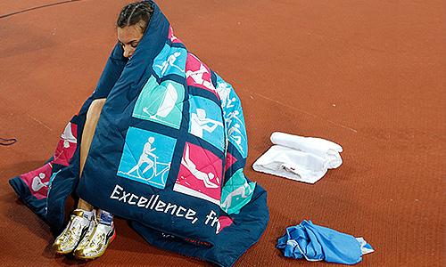 Елена Исинбаева готовится к выступлению.